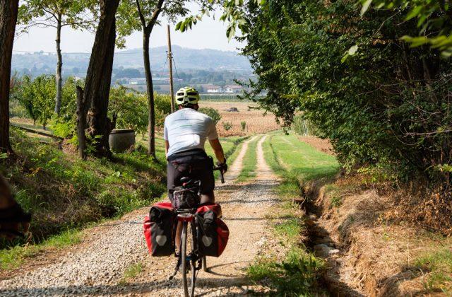 vignola-paesaggio-ciclisti-042